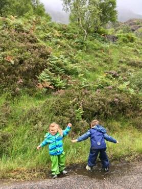 Schottland mit Kindern im Regen
