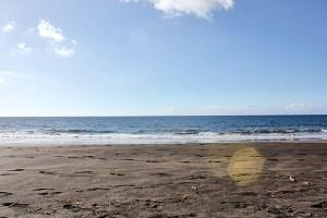 Schwarzer Sandstrand auf Gran Canaria - einer der schönsten Strände in Europa