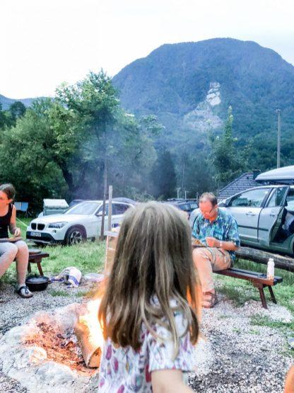 Gemütliche Feuerstellen Kamp Toni
