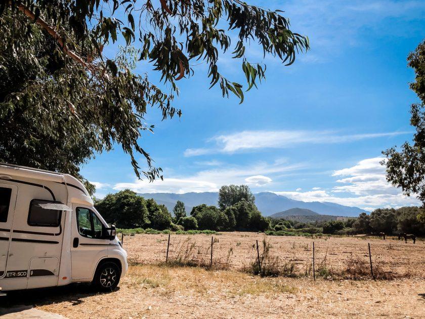 Camping Village de L'Ostriconi mit Bergblick