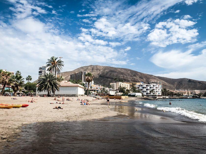 Feiner Sandstrand in Los Cristianos