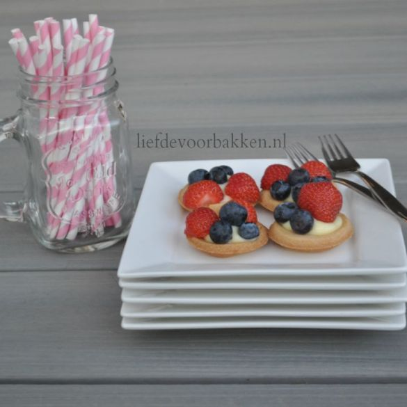 Mini fruit gebakjes
