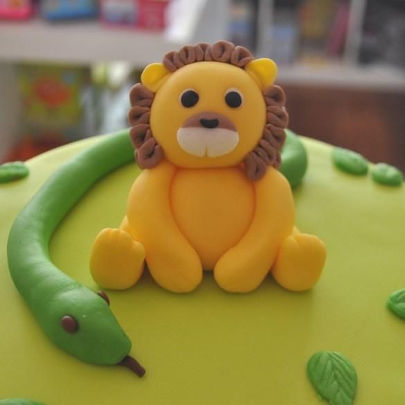Hoe maak je een leeuw topper?