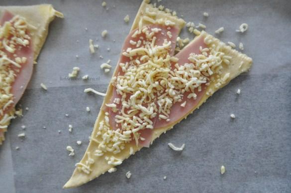 Zelf ham kaas croissantjes maken