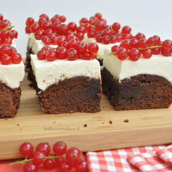 Nutella brownies met mascarpone crème en rode besjes