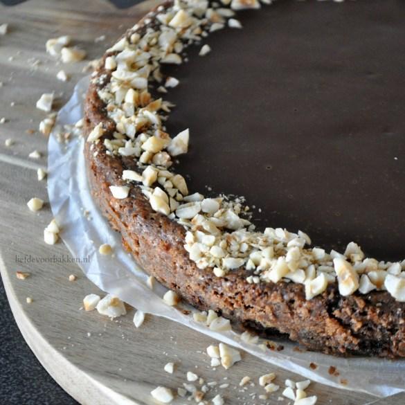Chocoladetaartje met hazelnoten