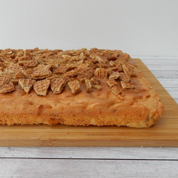 Stroopwafelplaatcake met karamel