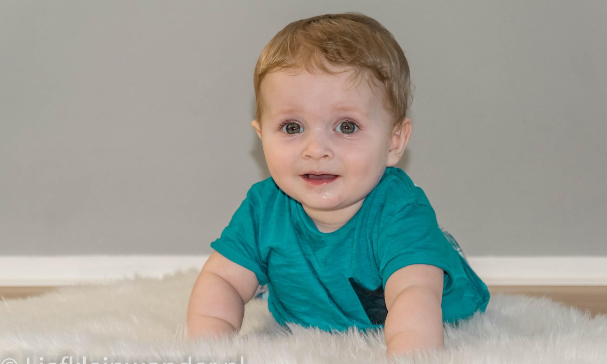 Jayden 7 maanden en 3 weken oud fotoshoot