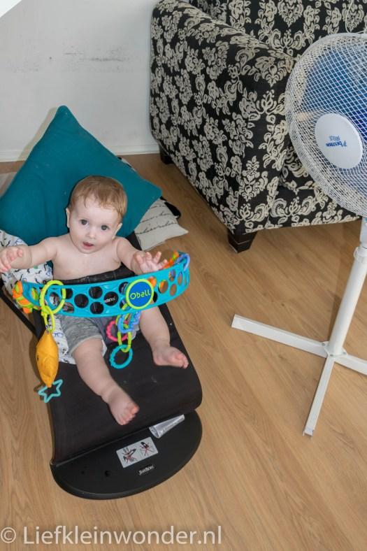 Jayden 8 maanden oud eerste keer fietsen ventilator