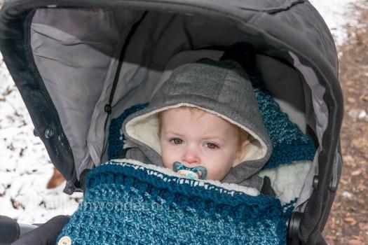 Jayden 13 maanden en 2 weken oud - sneeuwpret winter sneeuw wandelen