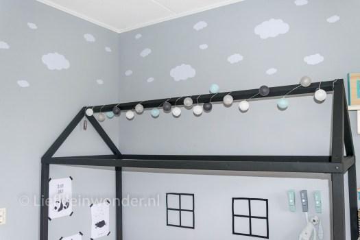 Bed maken met huis fram , huisbed bed huis zwart wit silhouette huis wolken muursticker Aliexpress zwart wit plaid indiaan panda