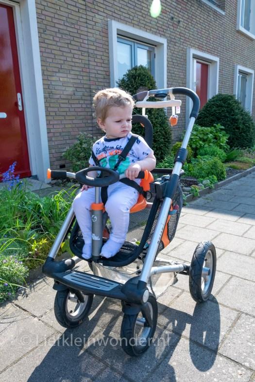 Jayden 16 maanden en 2 weken oud peuter dreumes - mutsy funseat bij de kringloop gekocht