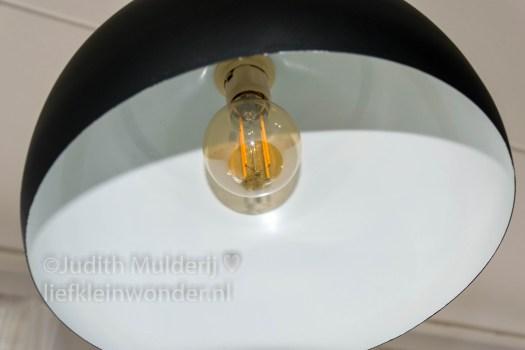 Lamp pimpen booglamp schoolbordverf action touw DIY stoer landerlijk wonen gesso shizal chizal touw led halogeenlamp big bazaar