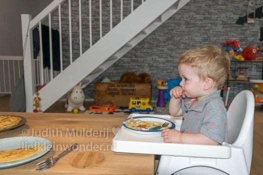 Jayden 20 maanden en 2 weken oud dreumes peuter mamablog - bananenpannekoeken
