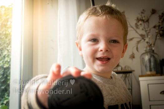 Jayden 21 maanden en 4 weken oud mamablog peuter dreumes - matchen spullen die bij elkaar horen