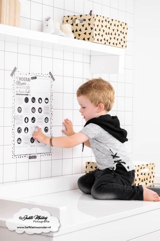 Suede design mama baby buik poster review grote broer zwanger zwangerschap zwart wit scandinavisch mama blog www.liefkleinwonder.nl e