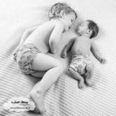 Finley 3 weken oud newborn baby borstvoeding speen afgevallen aangekomen consultatiebureau mama blog zwanger www.liefkleinwonder.nl fotoshoot 2 broers samen op de foto bloomer piece of may tractor dinos knuffeldoekje