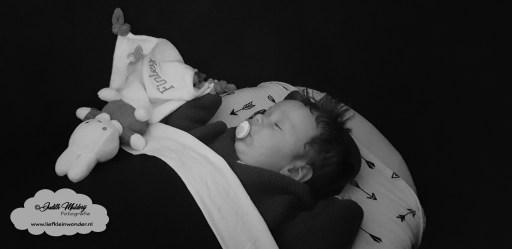 Mama blog baby ontwikkeling 15 weken 3 maanden www.liefkleinwonder.nl brandrep brand rep fotograaf babykleding slapen wieg