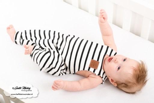 Brandrep babykleding baby zomerkleding review hip by (b)engel mama blog www.liefkleinwonder.nl shoplog jongen zwart wit monochrome salopette harem
