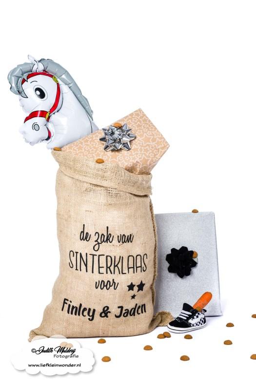 Kinderbijslag aankopen shoplog review mama blog babykleding jongens kleding shoppen brandrep fotograaf R-Rebels baby en kinderkleding Sinterklaas zak