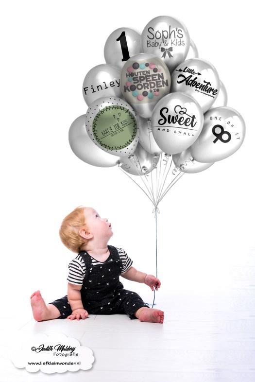 Finley 11 maanden oud mama blog www.liefkleinwonder.nl ontwikkeling 1 jaar winactie winnen