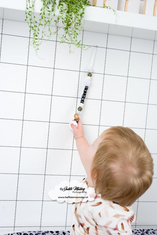Speenkoord leopard panter print handgemaakt little wish little adventure bibs zwart wit mama blog www.liefkleinwonder.nl