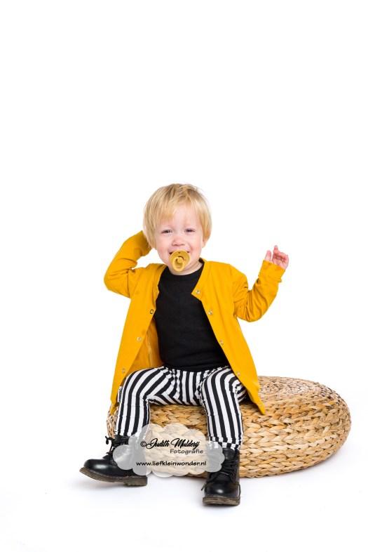 moustard bibs speen stoere kinder baby kleding oker strepen handgemaakt little adventure handmade