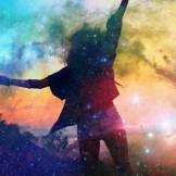 シャイニーカラー革命!今年のトレンドはシルバー&ホログラム!