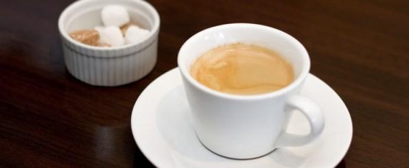 夏の大敵、冷え、むくみ…不調の原因はカフェインかも?