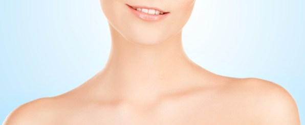 ケアはデコルテまでが常識!首のしわを予防する4つの方法とは