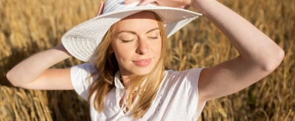 帽子 太陽 日光浴