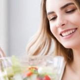 食事で髪質改善は本当にできるの?食べ物と髪の毛の関係