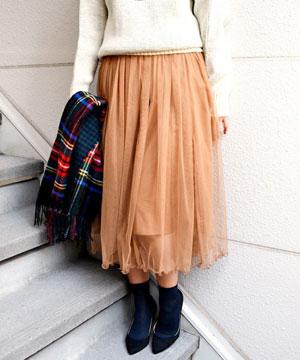 フェミニン&エレガント!秋冬のふんわり揺れるひざ丈スカート♡