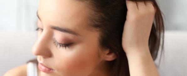 20代の女性でも薄毛になる原因とは?対策とおすすめ育毛剤