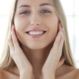 ニキビ肌の私が実際に使用して効果を実感した化粧品4選