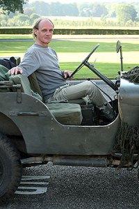 Frans in zijn Willys Jeep