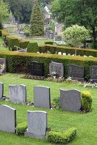 Uitzicht over de plateaus op de begraafplaats van Valkenburg