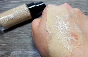 lieselotteloves-revlon-review-rossmann-make-up-foundation-primer-stay-gut-schlecht-meinung-blog-blogger-test (5)