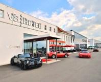 """""""V8 Hotel"""" laukia visų automobilių entuziastų"""