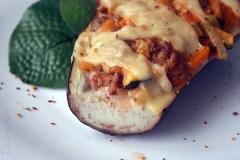 Mėsa įdarytas baklažanas su grietinėlės padažu