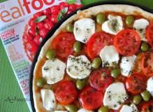 Pica su mocarela ir pomidorais