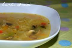 Makaronų ir daržovių sriuba