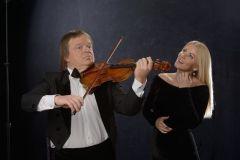 """Vaida Genytė ir Zbignevas Levickis savo talentus sujungs projekte """"Auksinės klasikos ir miuziklų dainos"""""""