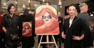 Žymios kūrėjos neeiliniam renginiui sukūrė išskirtinę drabužių ir paveikslų kolekciją
