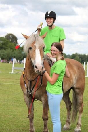 Trenerė Viktorija Palubeckienė su raiteliu Ernestu įrodė, kad stipri valia ir ryžtas gali įveikti negalią