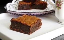 Lazdynų riešutų šokoladainiai (be miltų)