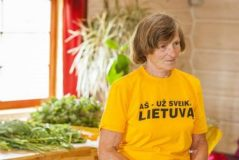 Maža pensija netrukdo 78 m. sveikuolei keliauti po pasaulį