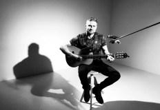 Išgirskite olimpiečio baidarininko A. Olijniko kūrybos dainą apie Lietuvą