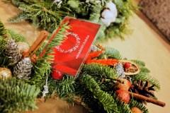 Studentai vilniečius ir miesto svečius kviečia ieškoti kalėdinių vainikų