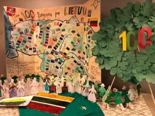 Bostono lietuvių mokyklos vaikų stendas. Nuotrauka Irenos Valys